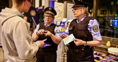 Berufsinformation beim Polizeiabschnitt 63