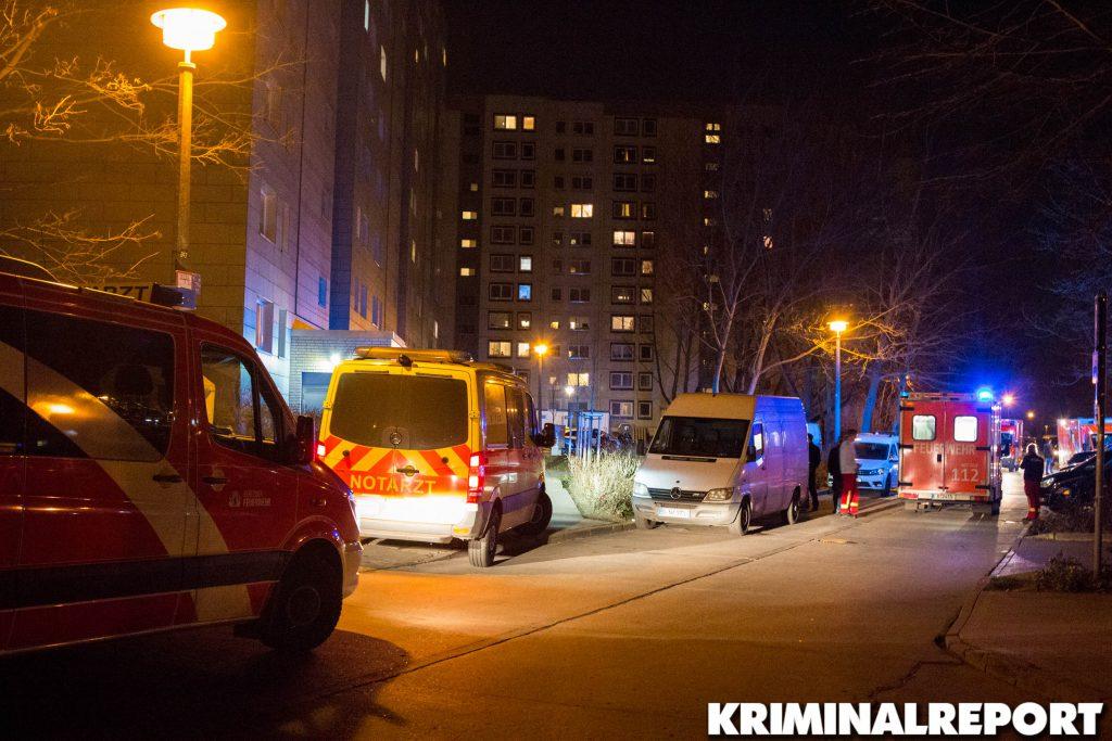 Mehrere Rettungswagen und Notarzteinsatzfahrzeuge sind am Unglücksort.|Foto: CSH