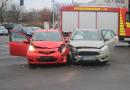 Zwei Verletzte nach Kreuzungsunfall