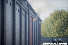 Rauch dringt aus der Garage. Foto: DLB