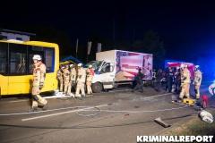 Feuerwehr und Polizei am Unfallort.|Foto: DLB