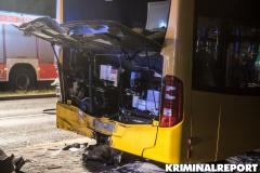 Der Bus wurde stark beschädigt.|Foto: DLB