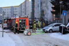 Einsatzkräfte löschten den Brand im Keller.|Foto: PB