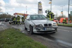 Auf der Kreuzung stießen mehrere Fahrzeuge zusammen.|Foto: DLB