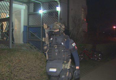 Razzia gegen mutmaßliche Islamisten – SEK stürmt Wohnung in Hellersdorf