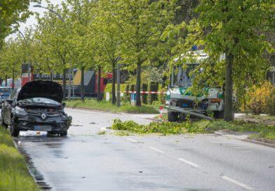 Einsatzfahrzeug der Hundertschaft verunglückt