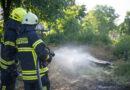 Feuerwehr löscht Grünabfälle